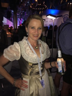Andrea Bauer, Tracht, Dirndl